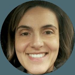 Formadora Carolina Ribeiro